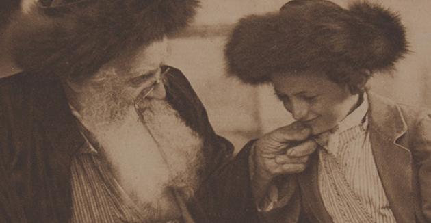 נײַ בוך וועגן געשיכטע פֿון חסידות ברענגט פֿרישן קוקווינקל