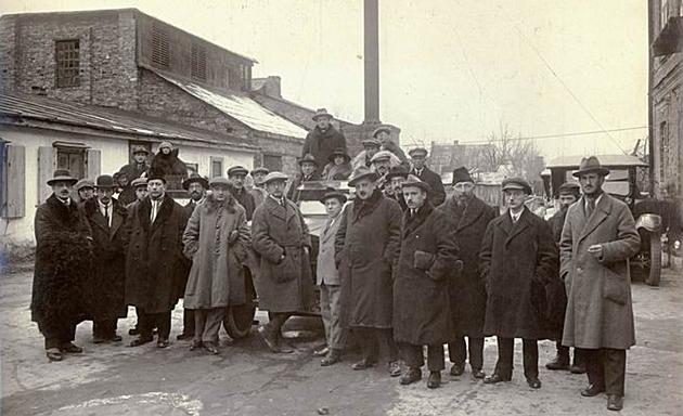 אַ גרופּע קאָרעספּאָנדענטן אין וואַרבורג־קאָלאָניע, 1923
