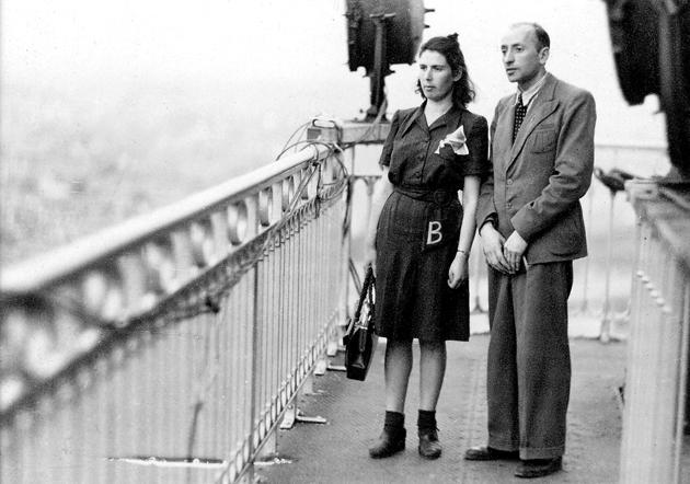 לייזער און בת־שבֿע ראַן, 1945 אין פּאַריז