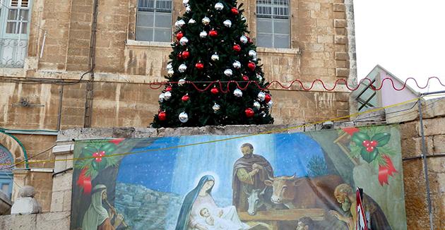 הויפּט־רבנים צו ירושלימער האָטעל־אייגנטימער: שטעלט ניט אַרויס קיין ניטלביימער
