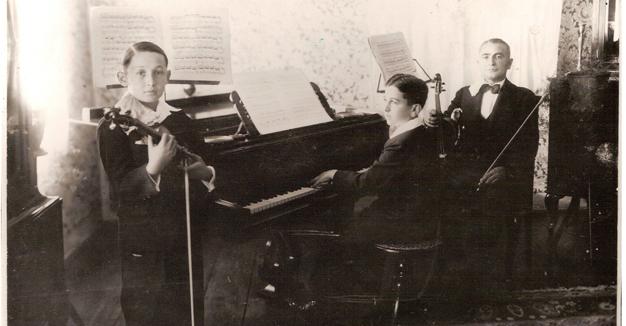 צבֿי־הירש קליינמאַן, לעאָפּאָלד קליינמאַן, און אַדאָלף קלײַנמאַן, 1930