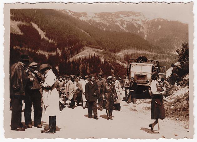 אַ זאַמלפּונקט פֿאַר דער שארית־הפּליטה אין די אַלפּן־בערג אין עסטרײַך, בערך 1946