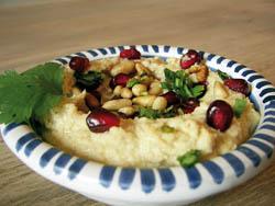 אַ פּאָפּולער מאכל — כומוס מיט מילגרוים