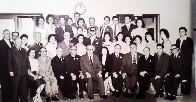 די לערער און תּלמידים פֿונעם ייִדישן לערער־סעמינאַר אין בוענאָס־אײַרעס, 1957